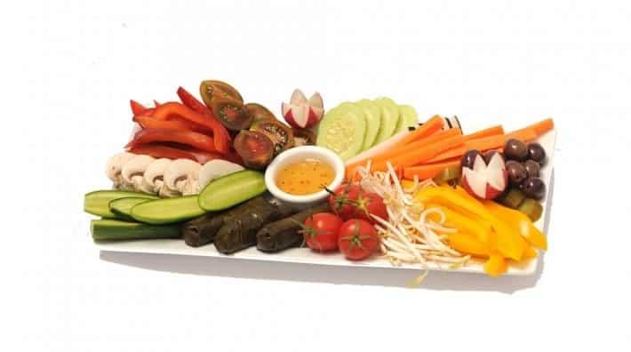 מגשי ירקות לאירוח